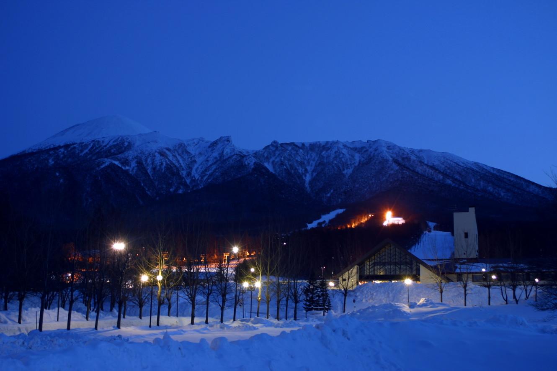 ホテル冬夜全景